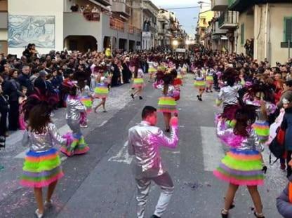 EVENTI PUBBLICI PRIVATI AZIENDALI MAGIC SOUND DI DOMINGO CRISAFULLI SICILIA CARRO CARNEVALE