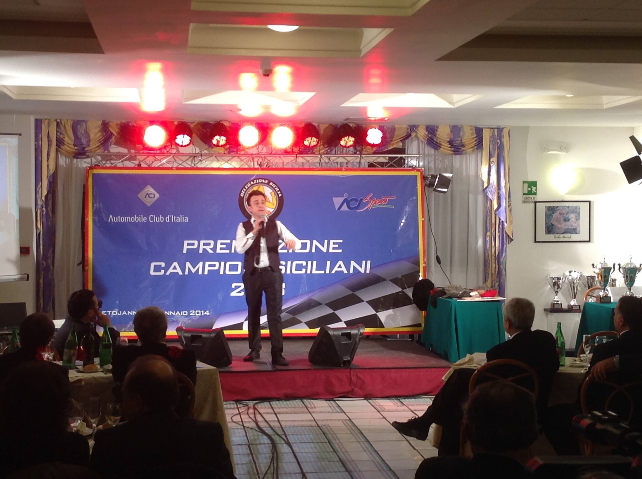 FIERE CONGRESSI MEETING MAGIC SOUND DI DOMINGO CRISAFULLI SICILIA ACI GENNARO CABARET INCONTRO AZIENDALE CENA EVENTO